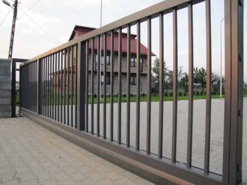 kto wykonuje ogrodzenia dla firmy Kraków